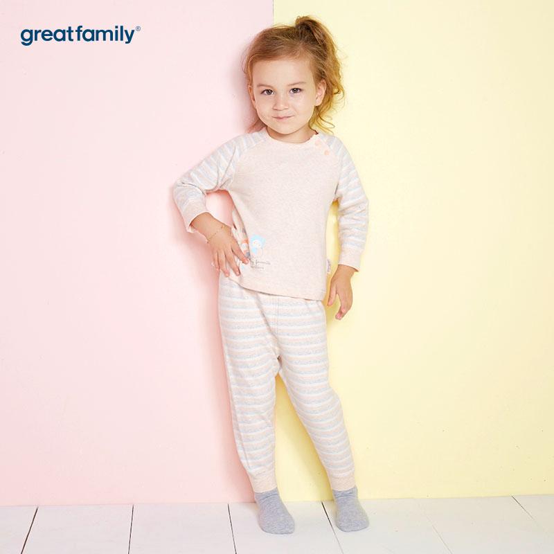 歌瑞家(Greatfamily)A类舒绒卡其色侧开套装男女宝宝通用款