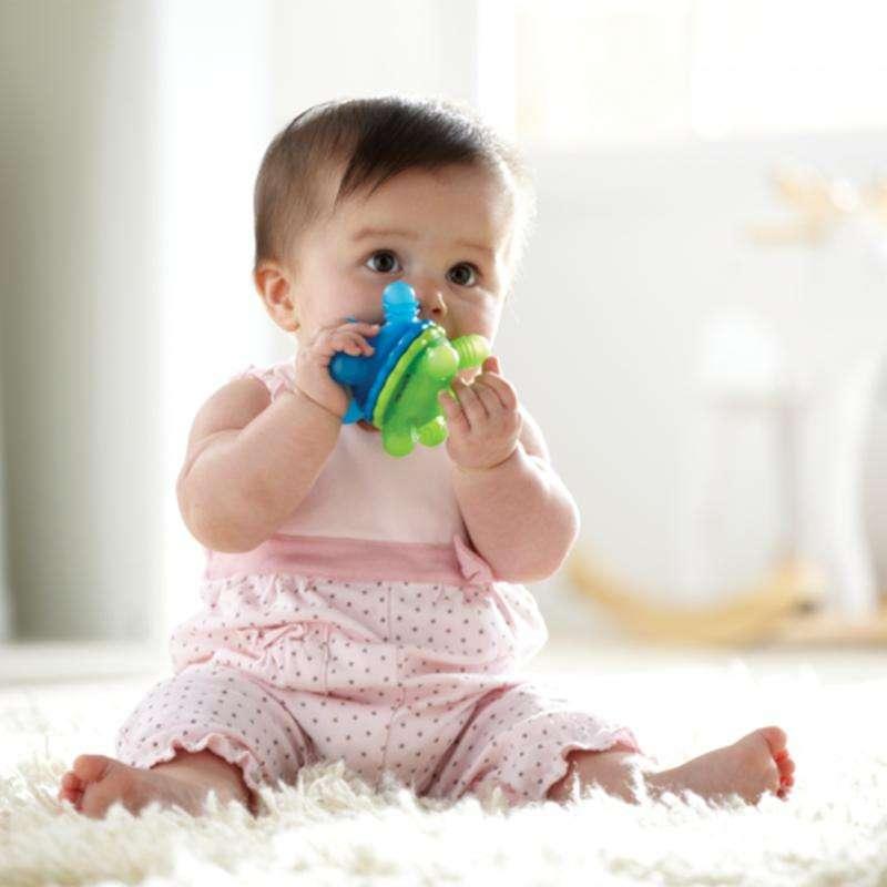满趣健MunchkinTwisty婴儿牙胶球6个月以上